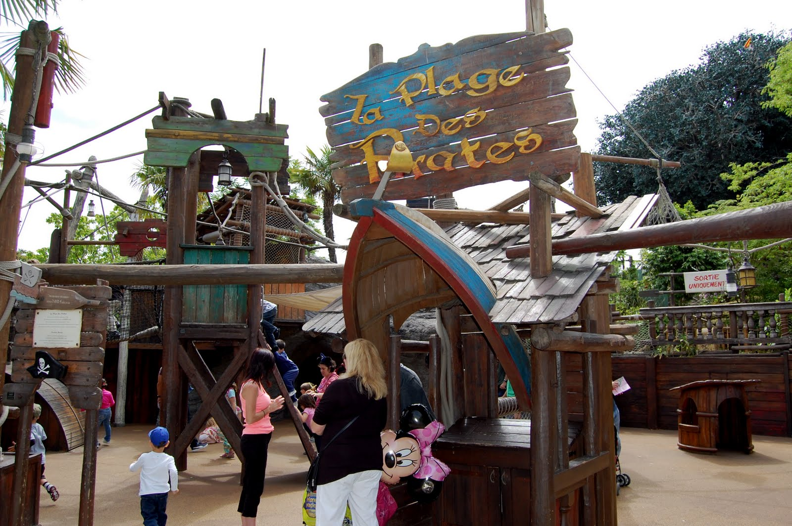Pirates Beach Disneyland Paris Tips Advice Planning Hotel Restaurant Ride Reviews For All Attractions