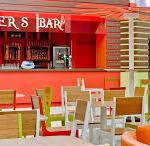 Smuggler's Tavern and Trader's Café Bar